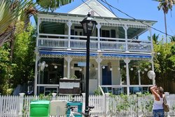 Nine One Five Restaurant Building in Key West.jpg